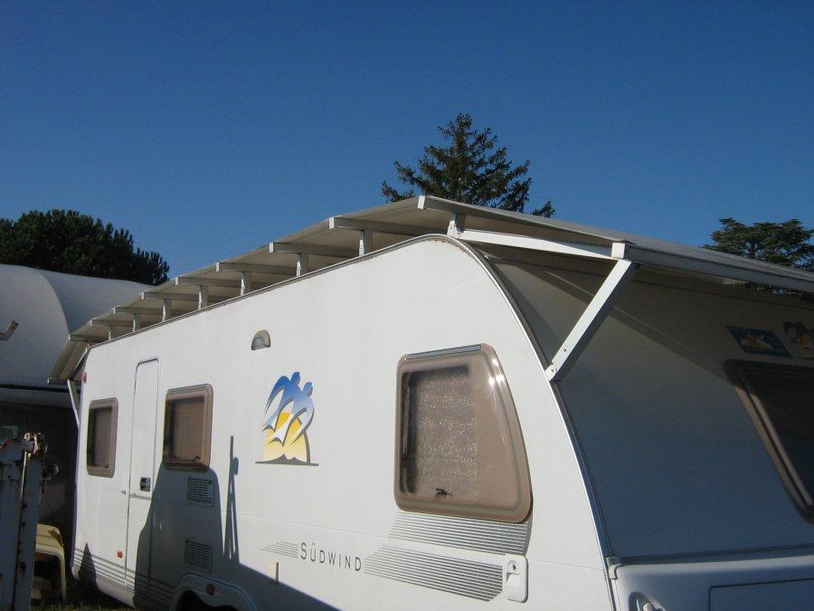 Tetti per caravan foto gallery for Tettoia per camper